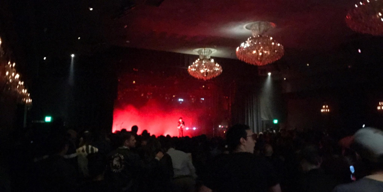 LIVE/170412-francis-and-the-lights-live-el-rey-theater-los-angeles-ca/francis-and-the-lights-live-el-rey-theater-los-angeles-ca-2017-2.jpg