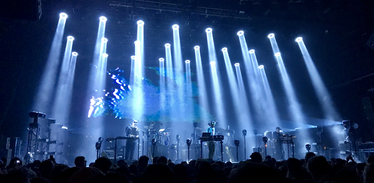 LIVE/170413-bon-iver-the-joint-hard-rock-las-vegas-2017/bon-iver-the-joint-hard-rock-las-vegas-2017-03.jpg