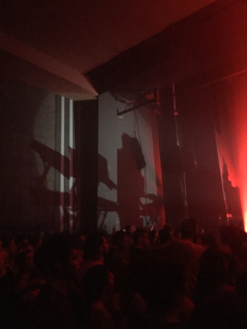 nicolas-jaar-live-principal-club-theatre-thessaloniki-review-07