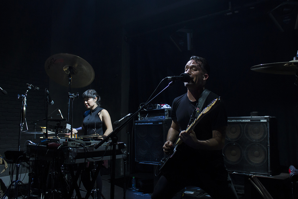 LIVE/171121-xiu-xiu-temple-review/171121-xiu-xiu-temple-review-06.jpg