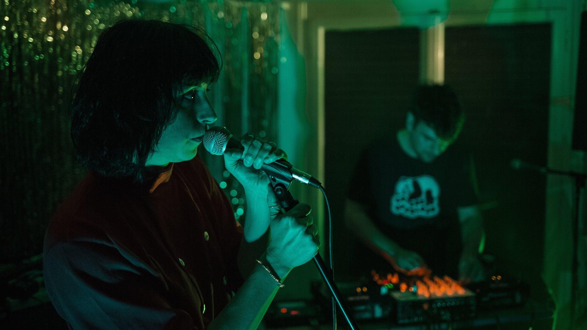 stella-nteibint-man-duo-echo-canyon-live-velvet-room-athens-09