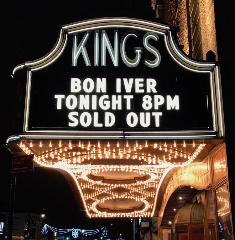 LIVE/bon-iver-live-kings-theatre-brooklyn-2016-ny/bon-iver-live-kings-theatre-brooklyn-ny-2.jpg