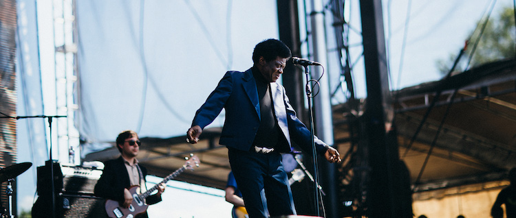 LIVE/eaux-claires-wisconsin-us-2015/day-2/eauxclairesday2-charles-bradley-03.jpg