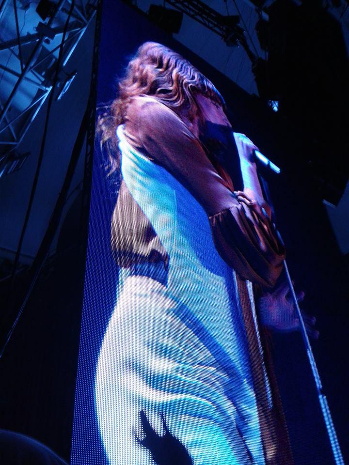 LIVE/florence-the-machine-live-alexandra-palace-london/florence-live-3.jpg