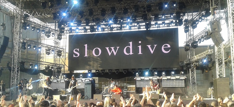 LIVE/release-athens-2016/2016-06-release-athens-slowdive-1.jpg