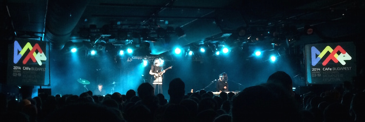 LIVE/stvincent-tycho-a38-budapest/stvincent3.JPG