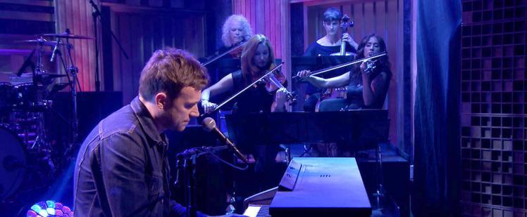 Δείτε το This Is A Low των Blur live από τον Damon Albarn
