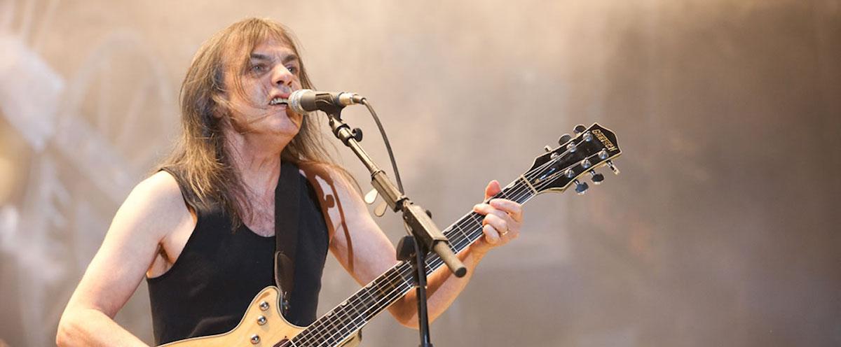 Έφυγε από τη ζωή ο Malcolm Young κιθαρίστας των θρυλικών AC/DC και συνιδρυτής τους